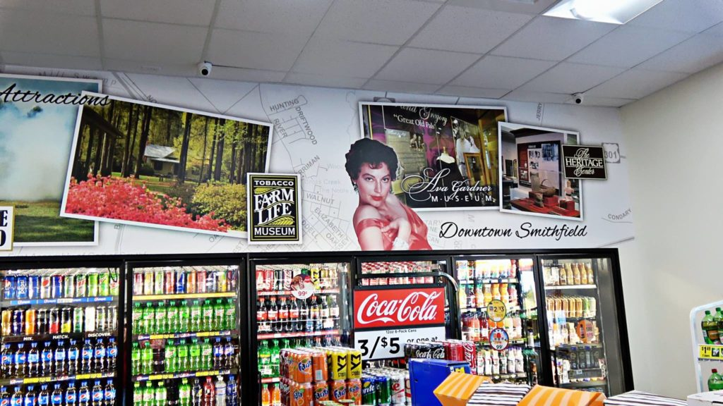 Local Murals Connect With Customers Decorating With Wallpaper Wall Murals
