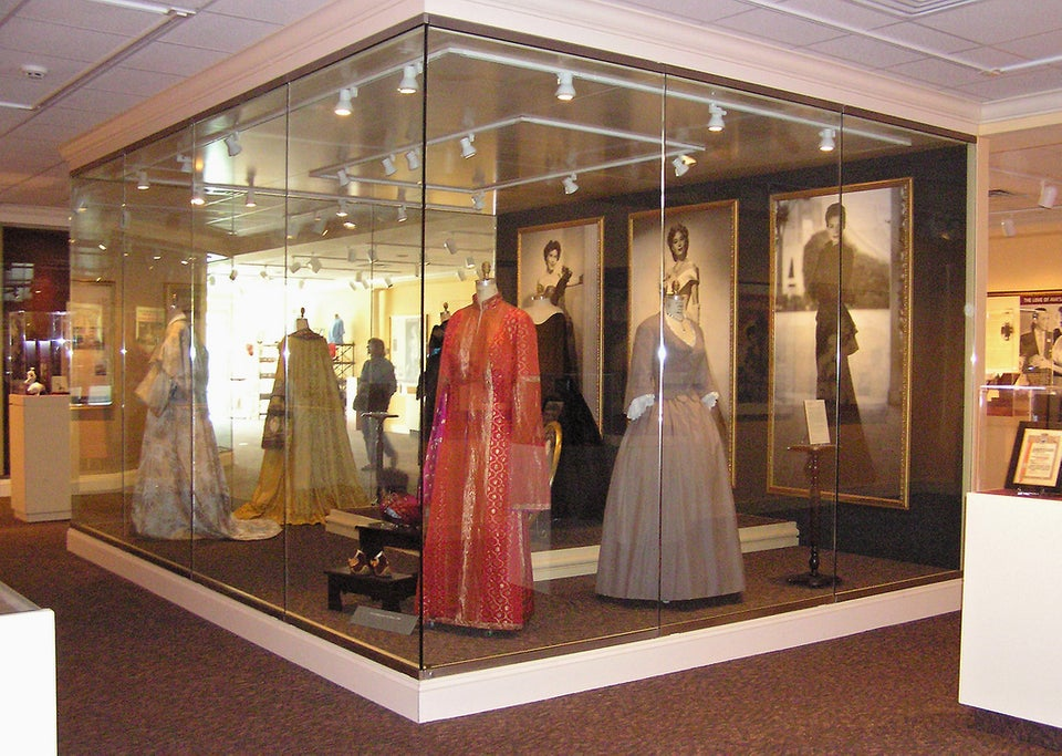 fashion display at the Ava Gardner Museum